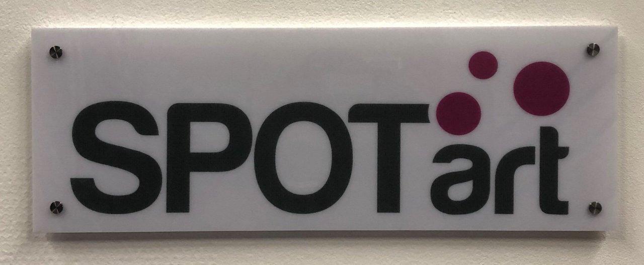Logo op kunststof geprint